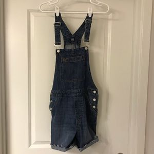 Gap overalls with pockets